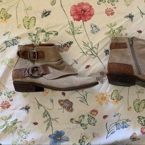 Espirit ankle boots